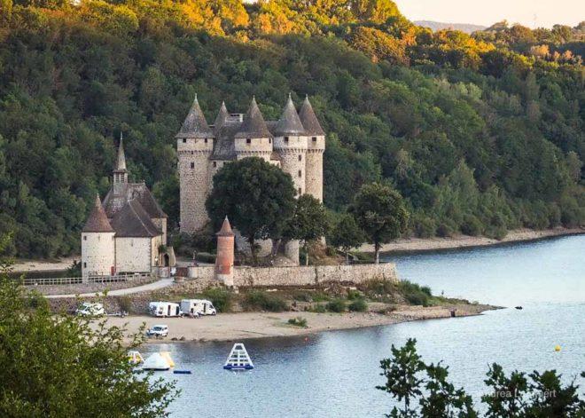 Stellplatz Dordogne am Chateau Val