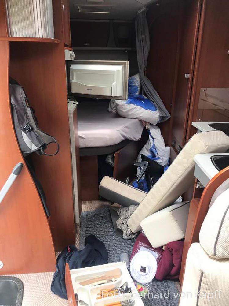 Chaos im Wohnmobil nach dem Unfall