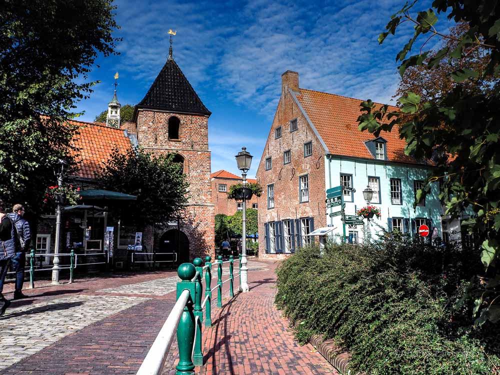 Krummhörn Tipps für Ostfriesland mit dem Ohnmobil, Greetsiel, Zwillingsmühlen