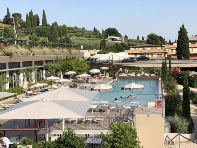 Alles auf einem Fleck: Pool, Fitness, Kids-Club und Restaurant. Foto: Gerhard von Kapff