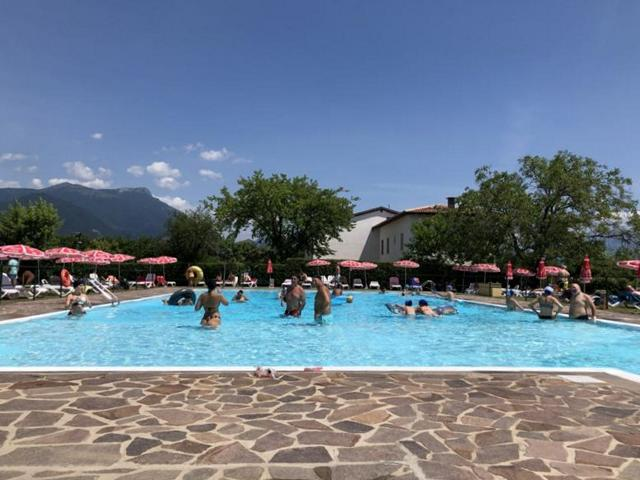 Camping Fornella, einer von zwei Pools