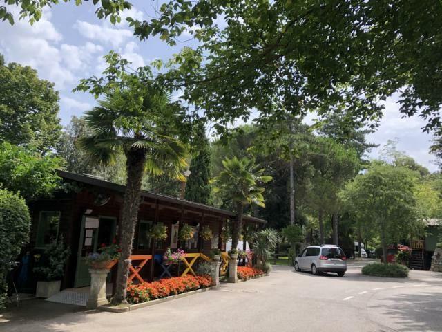 Grado Camping al Bosco, charmante Rezeption